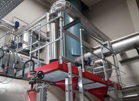 Wasserservicemodul mit Rieselentgaser und Brüdenwärmetauscher